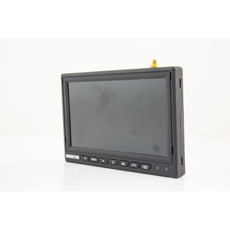 "WIRELESS AHD CAMERA AND 7"" MONITOR KIT"